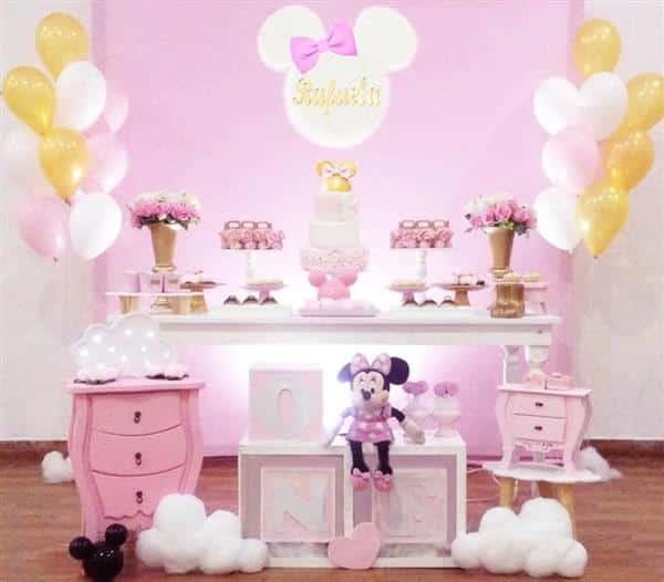 decoração com balões e fitas