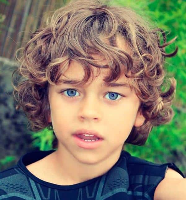 cabelo infantil ondulado