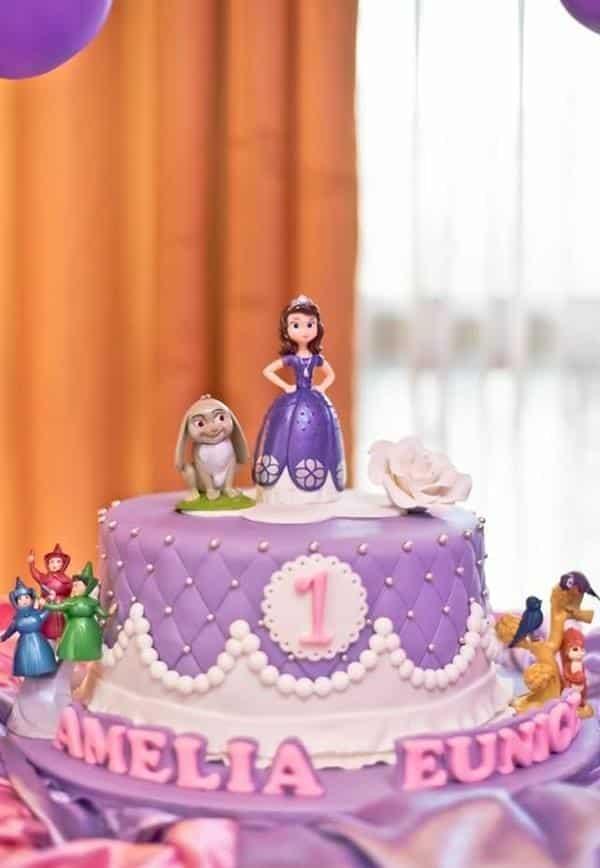 bolo lilas branco e rosa