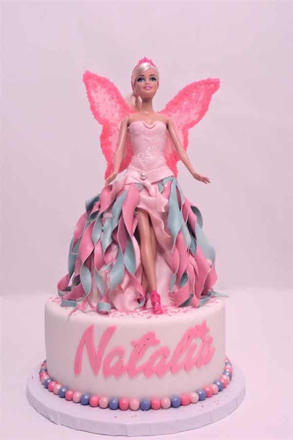 modelo de bolo com barbie fada