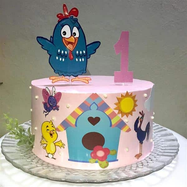 como decorar bolo da galinha pintadinha