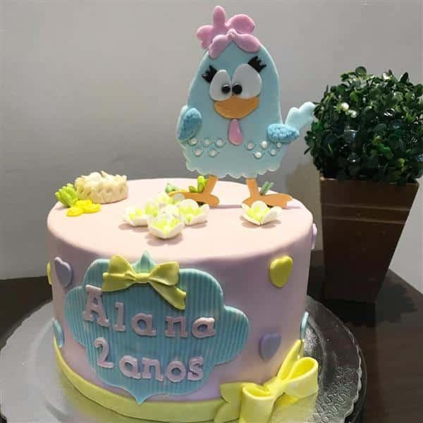bolo da galinha pintadinha com topo
