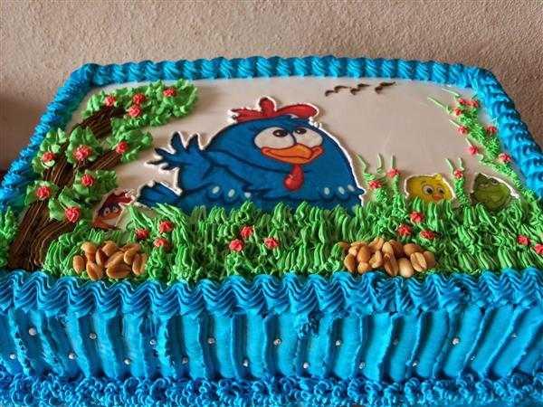 bolo quadrado azul