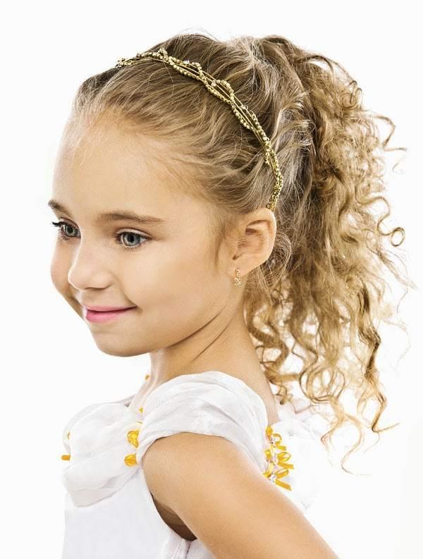 Penteado para Cabelo Cacheado Infantil para escola