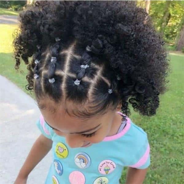 penteados para cabelos cacheados infantil com ligas
