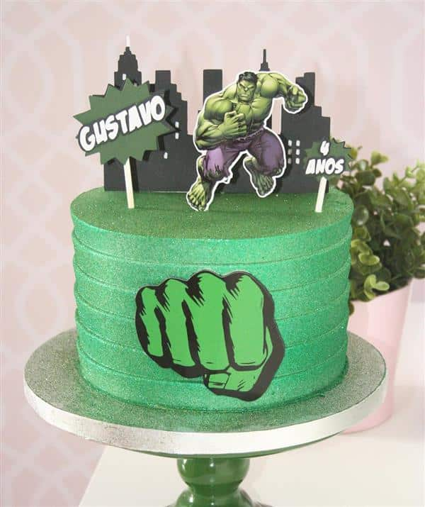 bolo do hulk com topper