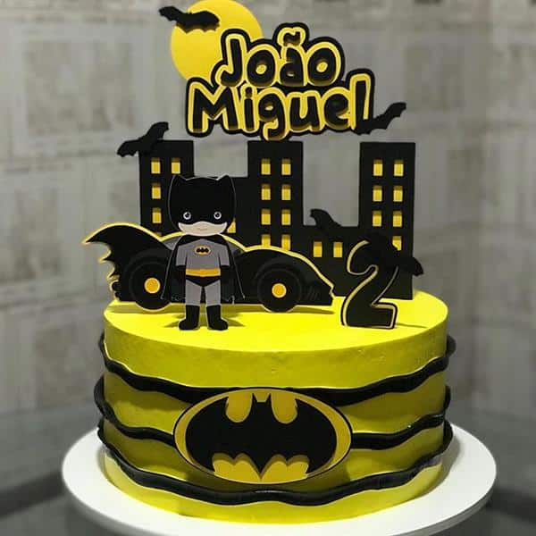 bolo do batman de chantilly