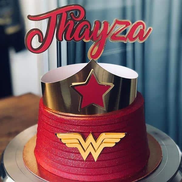 decoração de bolo mulher maravilha