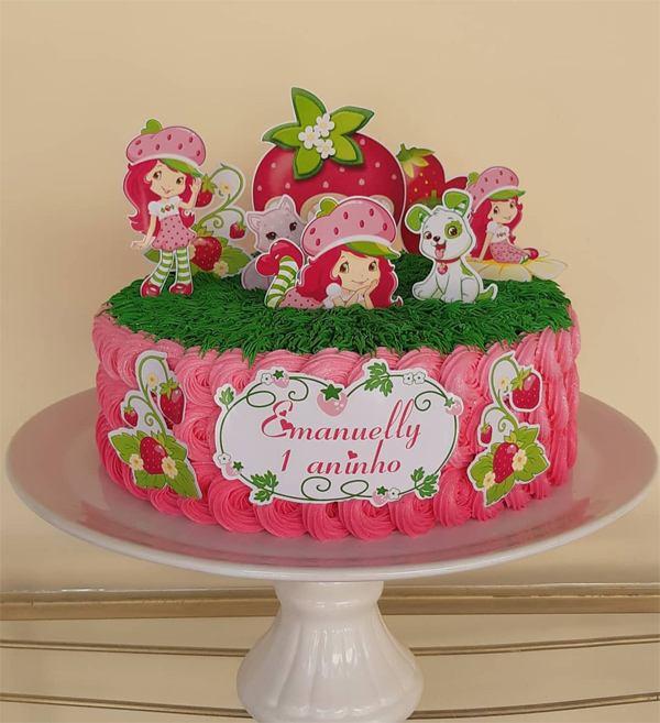 bolo decorado com topper