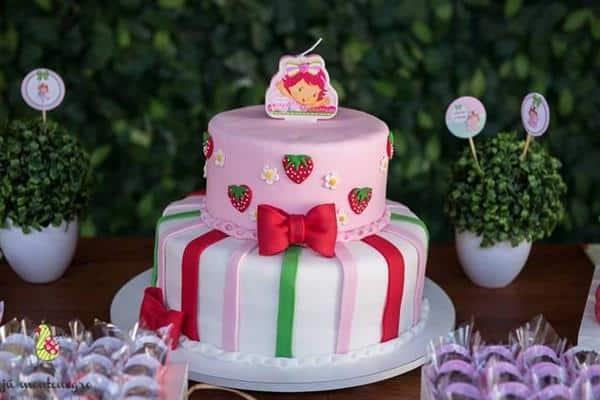 decoração de bolo da moranguinho