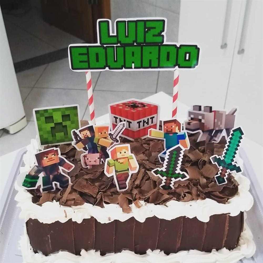 decoração de bolo com raspa de chocolate