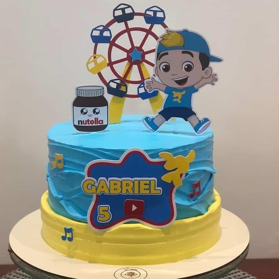 bolo do luccas neto azul e amarelo