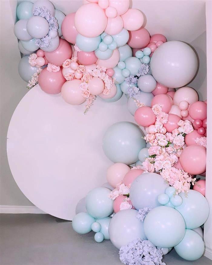 arco desconstruido azul e rosa