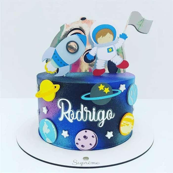 bolo de festa do astronauta