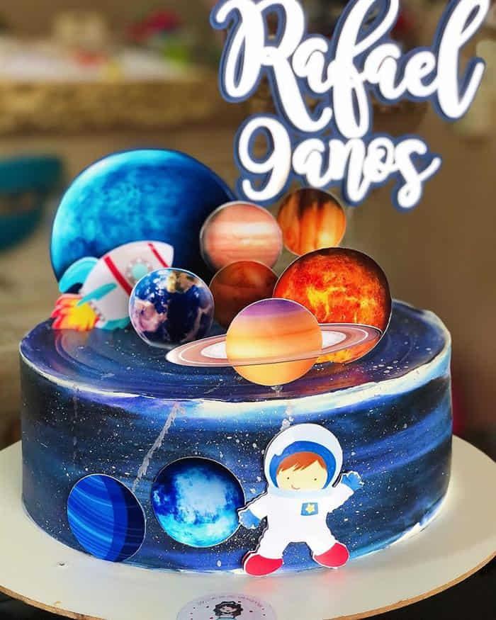 bolo para festa de astronauta